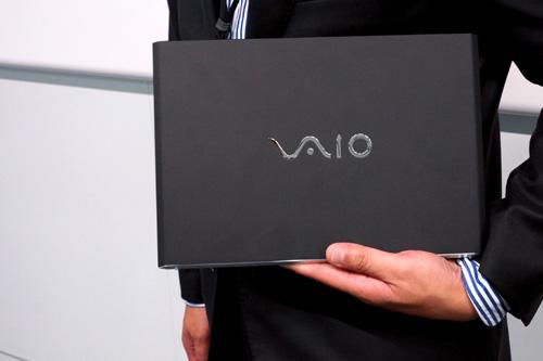 VAIO Pro11は「今までより強く、そして軽い。」